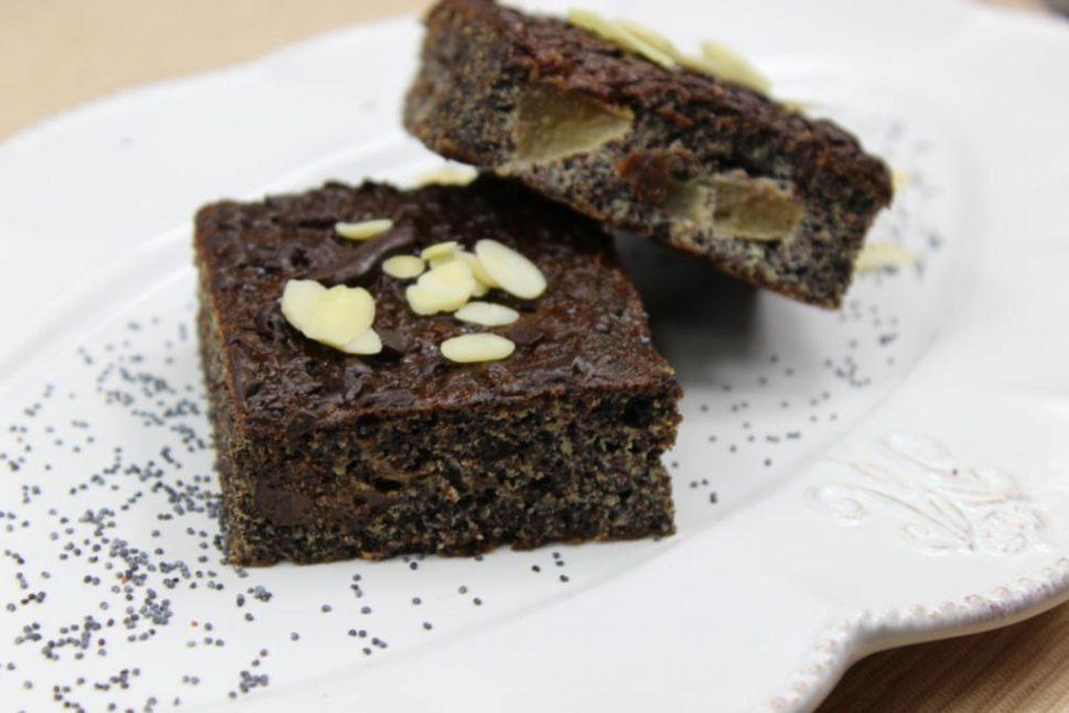 makový koláč s hruškami