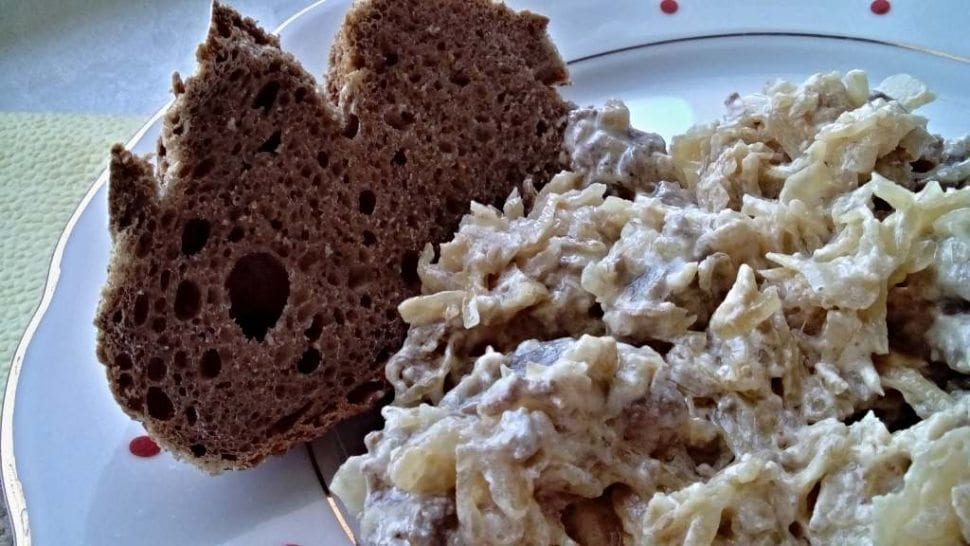 segedínsky guláš s kyslou smotanou recept